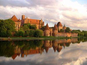 Орденский замок Мариенбу́рг, город Мальборк